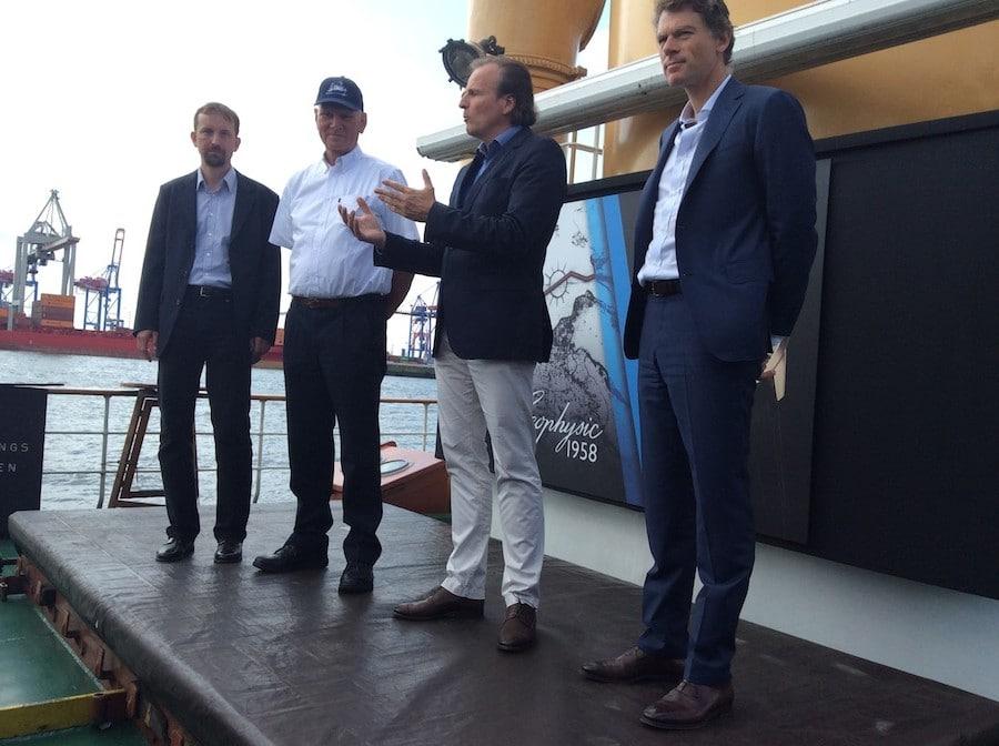 Jürgen Bestian, General Manager Jaeger-LeCoultre, begrüßt die geladenen Gäste auf der Stettin.