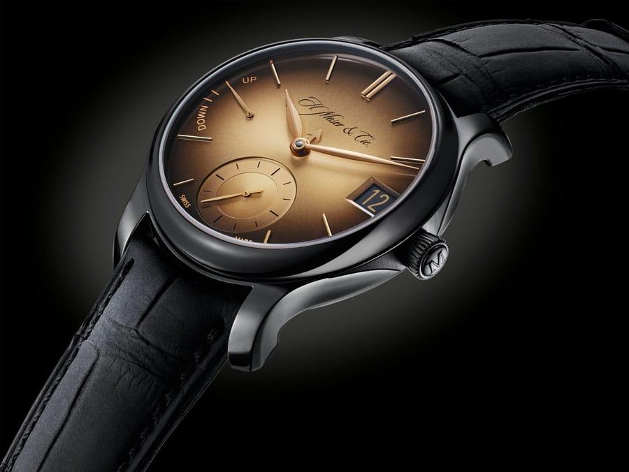 H. Moser & Cie.: Goldene Anzeigen der Endeavour Perpetual Calendar Black Golden Edition