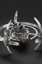 MB&F: Tischuhr Starfleet Machine