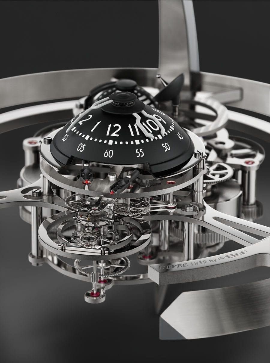 MB&F: Zeitanzeige der Tischuhr Starfleet Machine