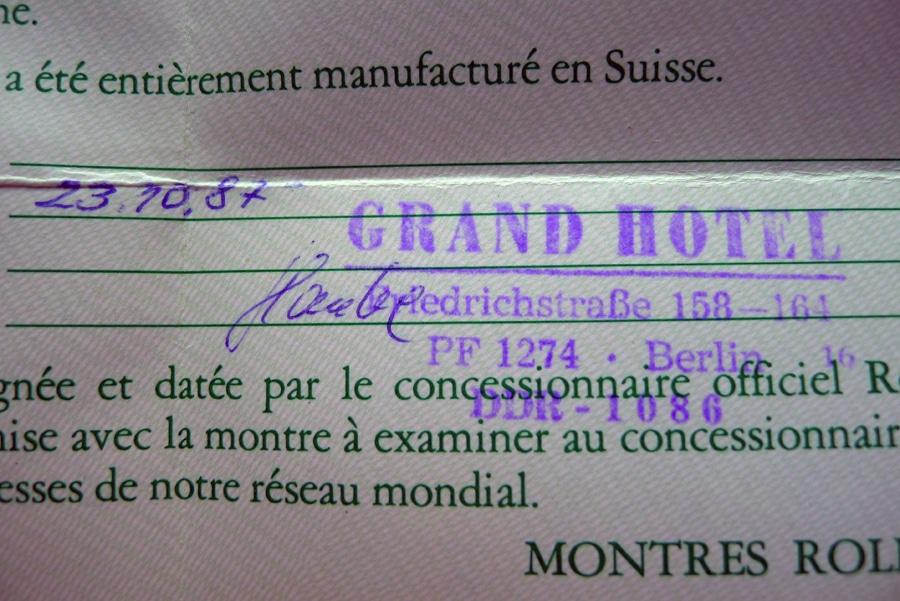 Rolex-Papiere mit dem Stempel des Grand Hotels in Ostberlin