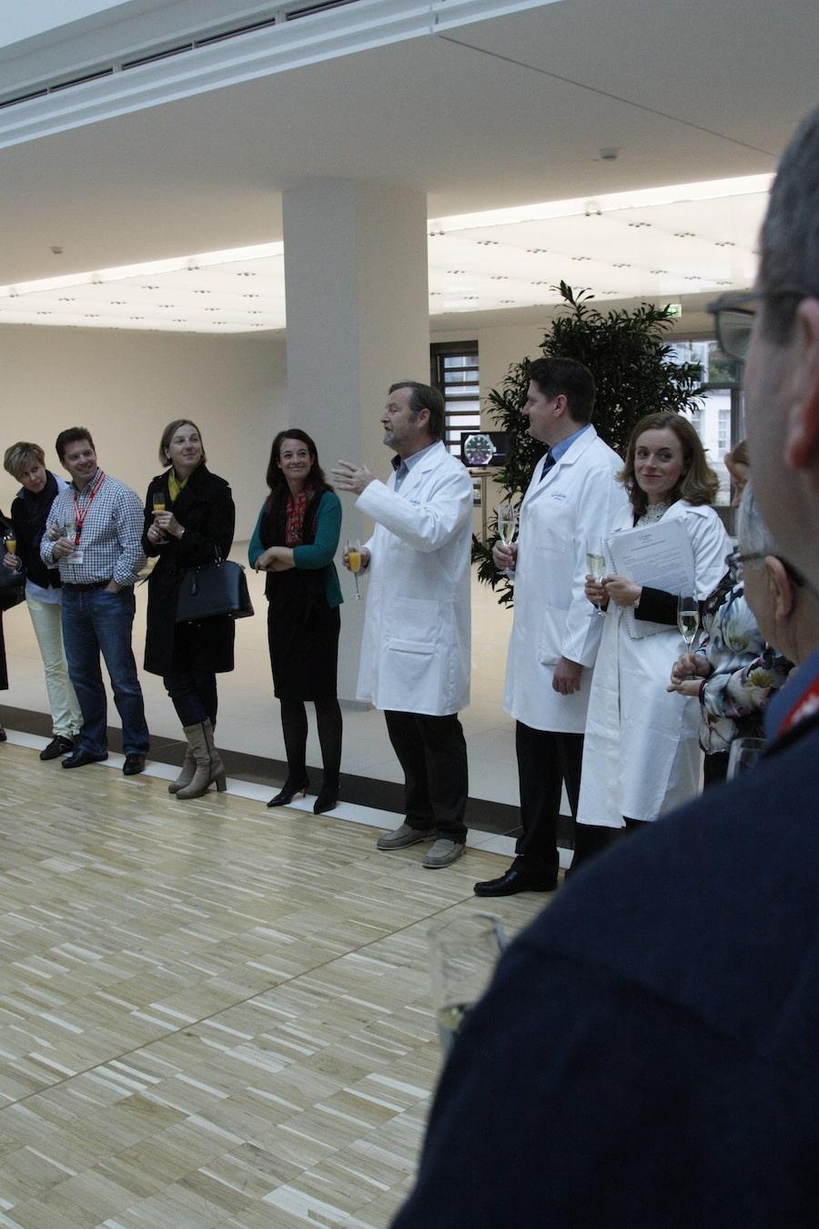 Yann Gamard, Präsident von Glashütte Original, begrüßt die Gäste persönlich in der Manufaktur.