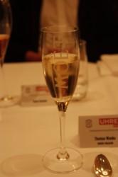 Das Abendessen wurde von ausgesuchten Moet-Champagnern begleitet, welche Torsten Burkhardt von Moet Hennessy spannend präsentierte