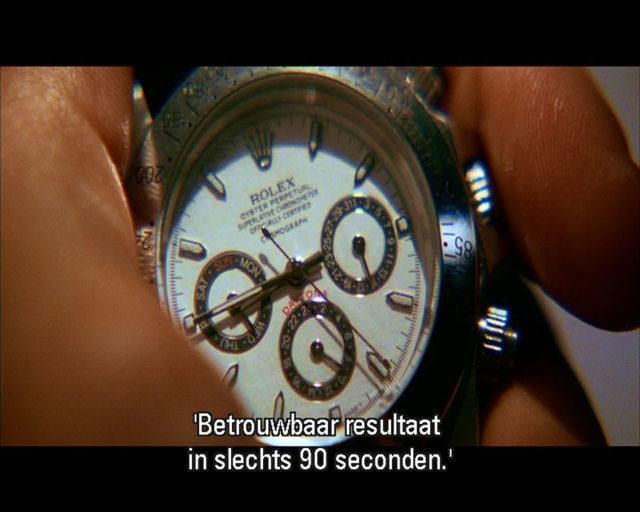 Sicher ein Witz von Quentin Tarantino, denn die Rolex Daytona, die im Film Kill Bill II ihren Auftritt hat, ist eine offensichtliche Fälschung, zu sehen an den Hilfszifferblättern.