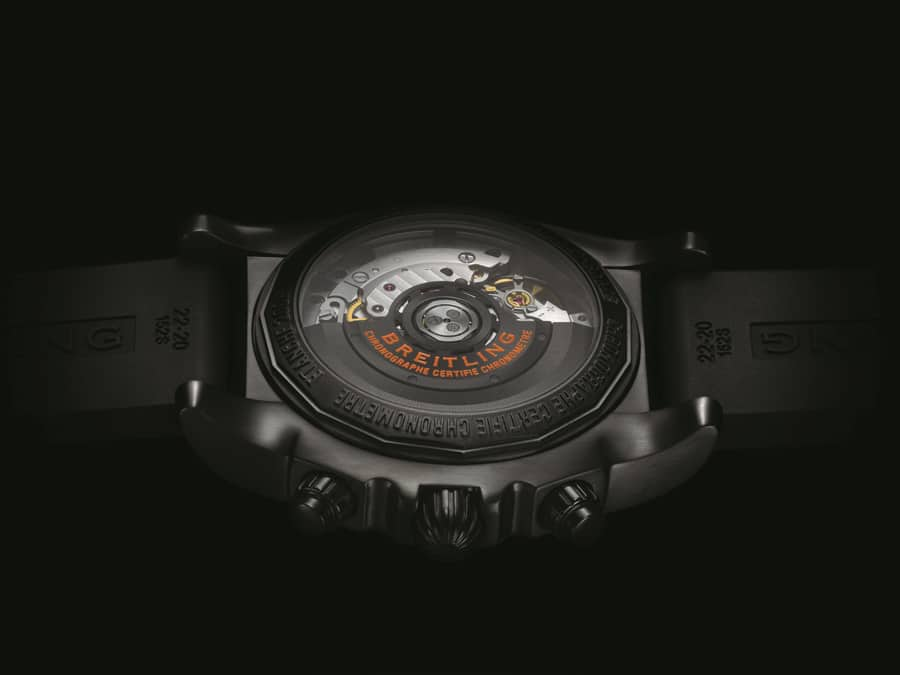 Im Chronomat 44 Raven arbeitet das Automatikwerk Breitling 01