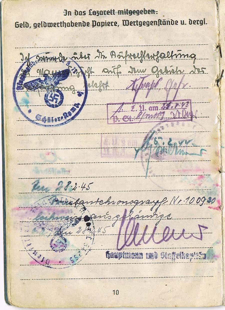 Der Flieger-Chronograph mit der Nr. 10 09 20 wurde im Wehrpass eines Piloten eingetragen.</br>(Foto: covenant)