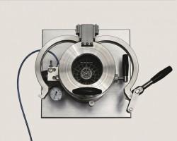 Dieses Prüfgerät testet Uhren auf Wasserdichheit.