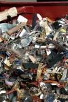 Von der Schweizer Zollbehörde beschlagnahmte Replica Uhren kurz vor ihrer Vernichtung.