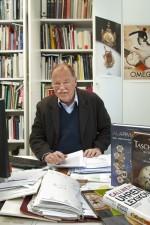Christian Pfeiffer-Belli ist Autor und Fachjournalist, seine Lieblingsuhr ist ein Omega-Chronometer