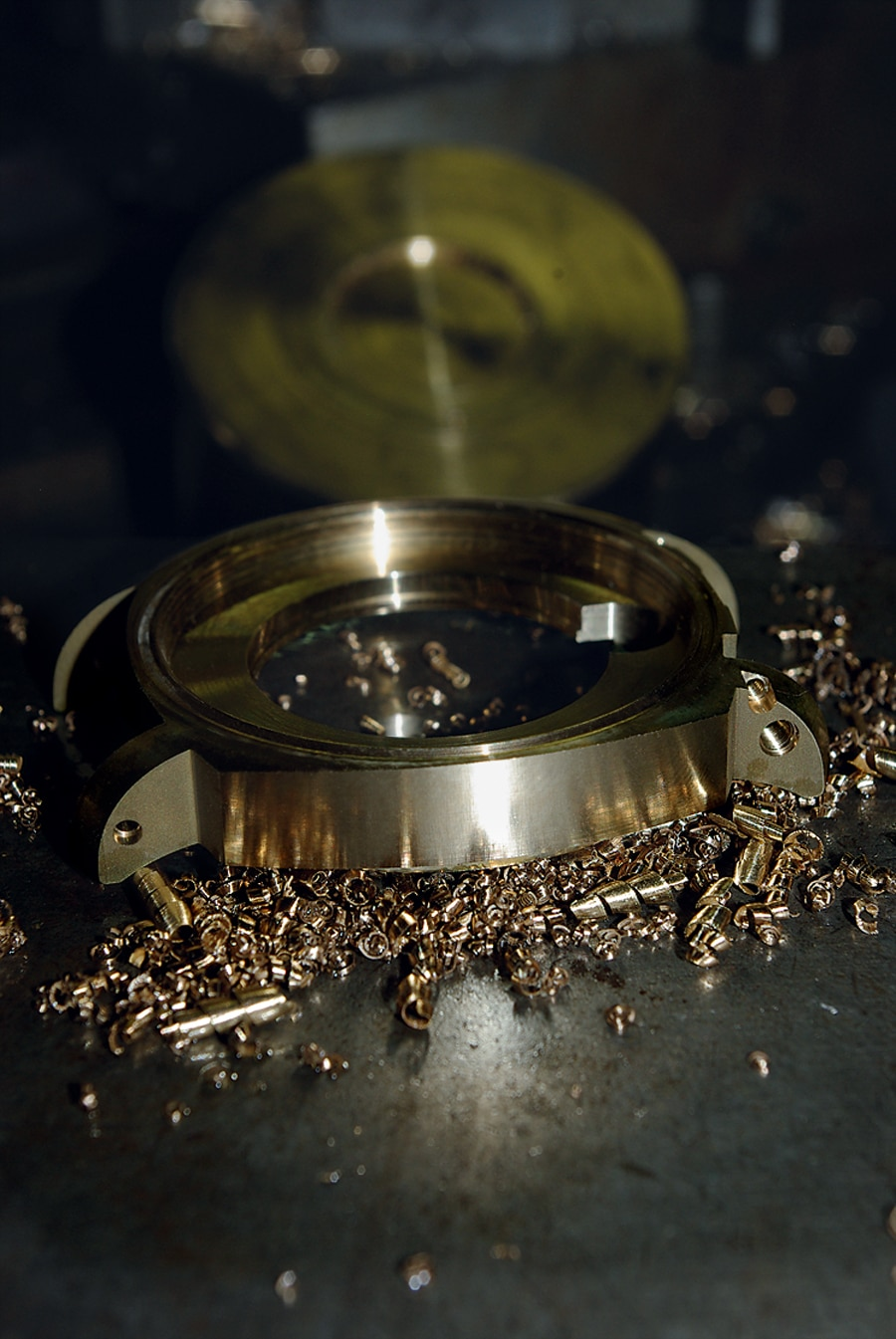 Die Uhrenmarke Anonimo bietet ein spezielles Gehäuse aus Aluminium-Bronze.
