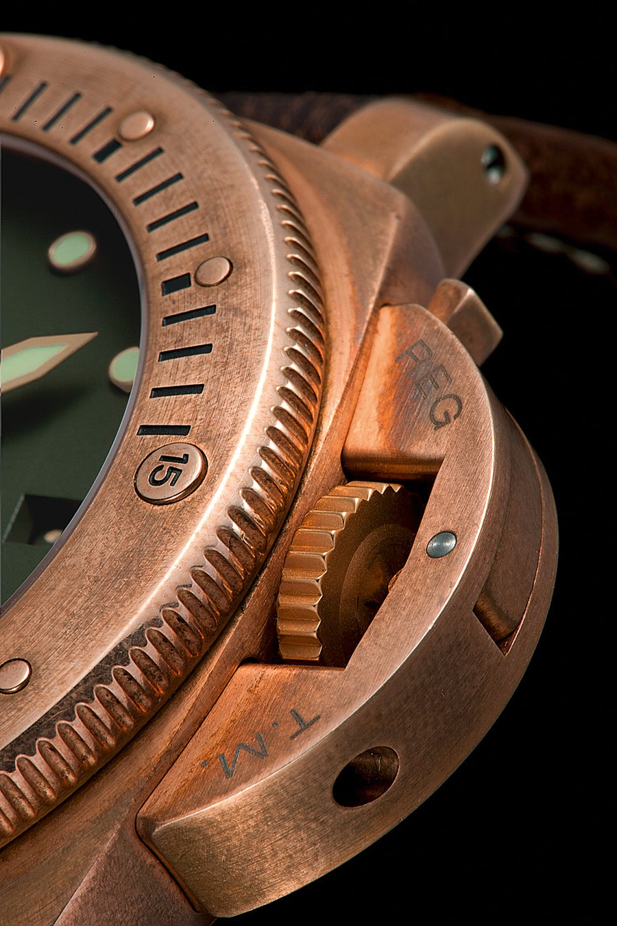 Panerai Luminor, eine Bronze-Uhr als Hommage an die Welt der Meere.