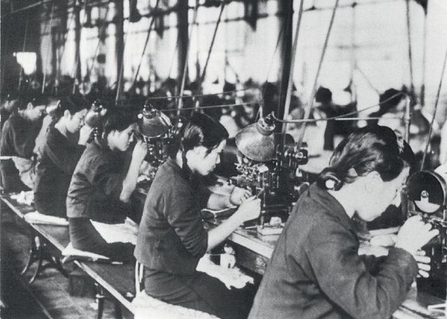 Seiko: Armbanduhrenproduktion in der Fabrik Daini Seikosha, späte 1930er-Jahre