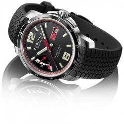Die Mille Miglia GTS besitzt eine Gangreserveanzeige bei neun Uhr und ist ein Chronometer.