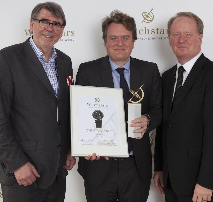 Benoit Mintiens, Gründer und Inhaber von Ressence, umsäumt vom Jury-Präsidium.