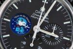 "Zifferblattdetail der Omega Speedmaster Professional ""Snoopy Award"""