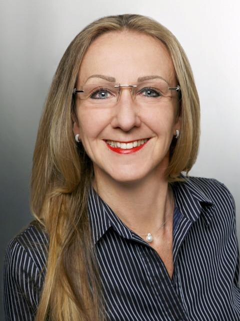 Die Gewinnerin des UHREN-MAGAZIN Extra-Heftes Wissen 2015: Brigitte Ulrich aus Nürnberg
