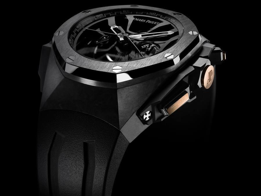 Die Michael Schuhmacher Uhr von Audemars Piguet mit Goldknöpfen und Emblem
