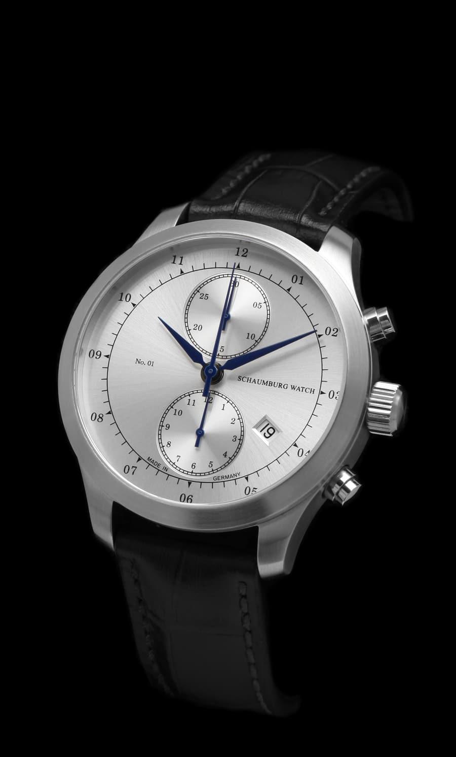 Schaumburg Watch: Chronograph No.01, silberfarbenes Zifferblatt