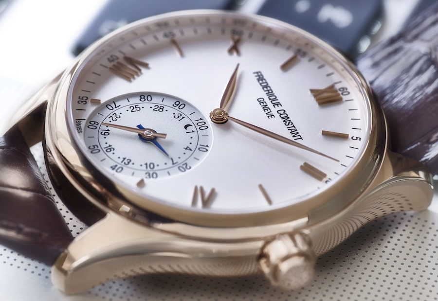 frederique-constant-horological-smartwatch-fc-285v5b4-2