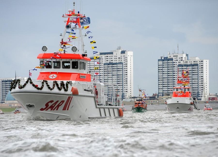 Schiffsparade: 150 Jahre DGzRS