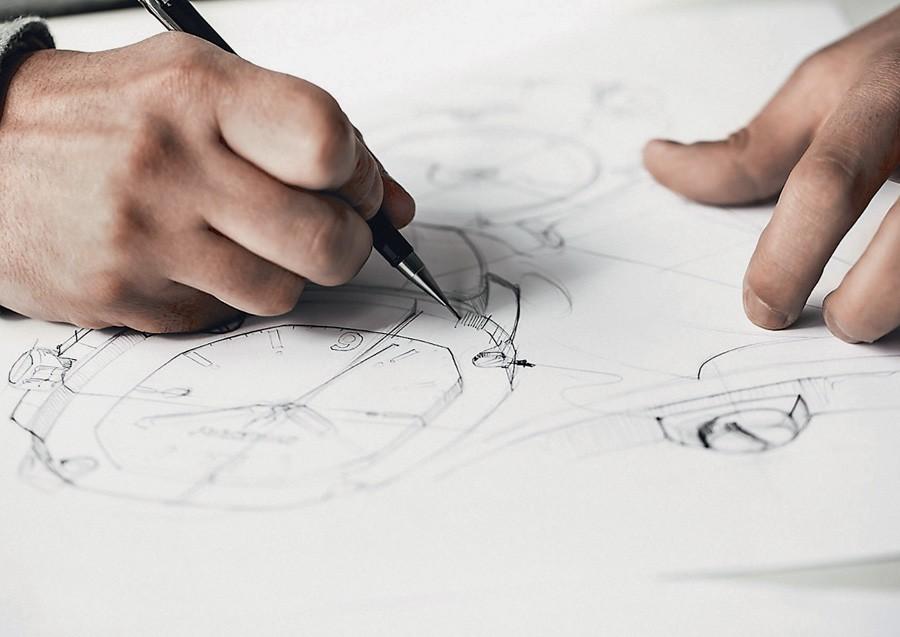 Die Zusammenarbeit zwischen der Fossil Group und den lizenzgebenden Modemarken ist eng. Das Design der Uhren muss den beiden Kollektionen entsprechen, die standardmäßig im Jahr erscheinen.