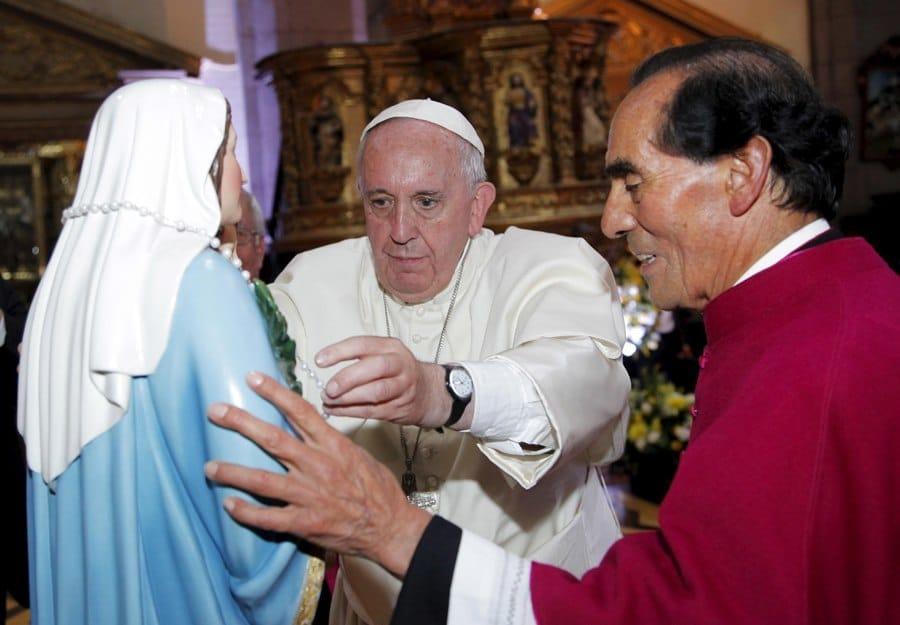 Papst Franziskus trägt Swatch Once Again (Bild: ullstein bild - Reuters / GARY GRANJA)