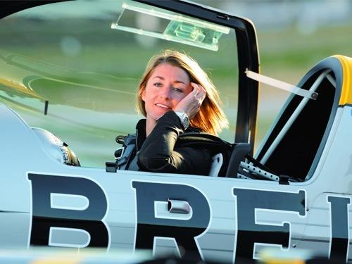 Breitling-Markenbotschafterin und Pilotin Aude Lemordant