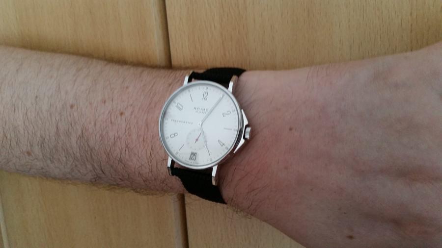 Nomos Ahoi Datum Edition Watchtime.net am Arm von Wolfgang Köhler