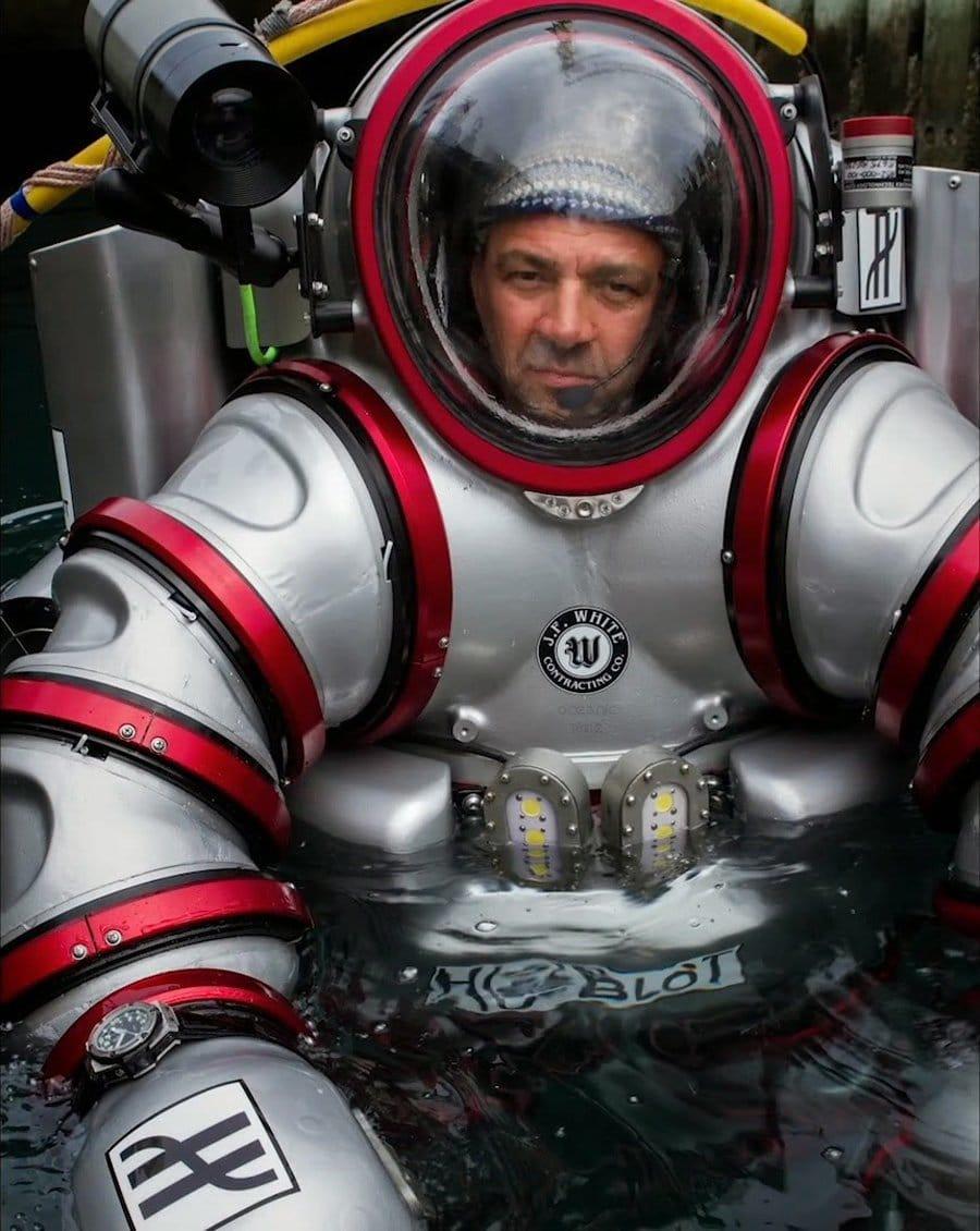 Forscher der Unterwasserexpedition mit der Hublot King Power Oceanographic 4000