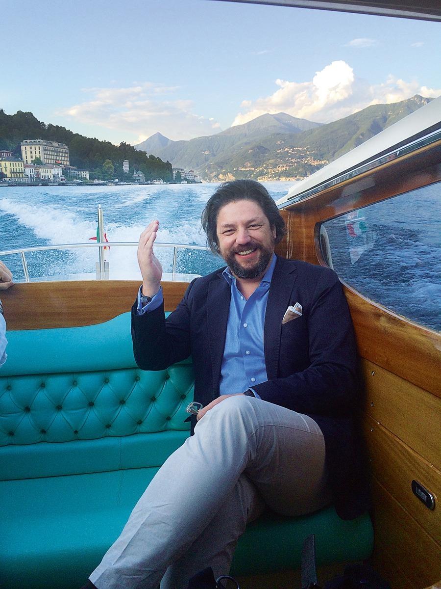 Carlos Torres schreibt für portugiesische und internationale Zeitschriften über mechanische Uhren und andere Luxusgüter. Seit 2014 ist der Experte außerdem Juror der Watchstars Awards.