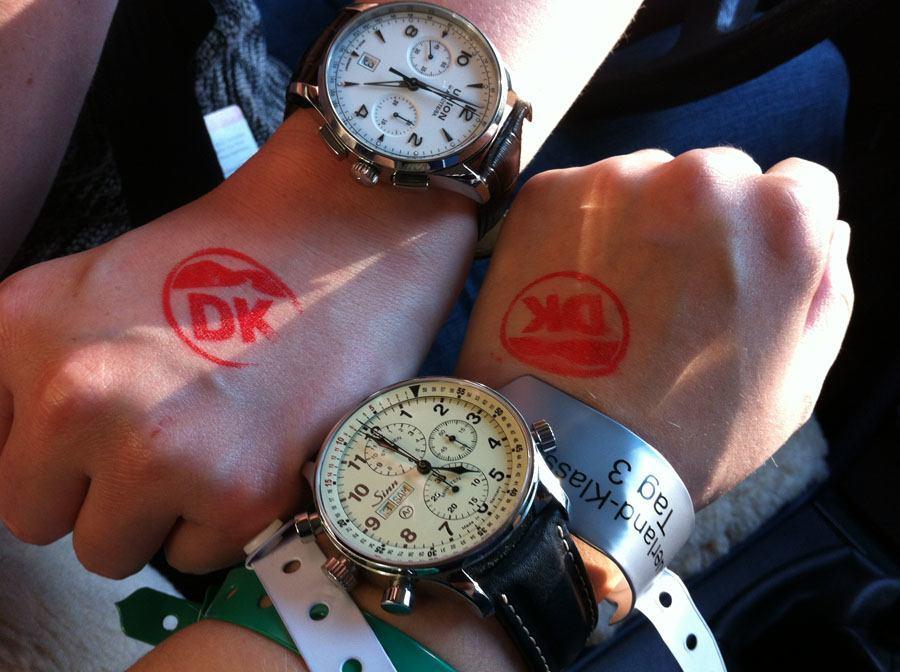 Oldtimer-Rallye, 1. Sauerland Klassik: Der Noramis-Chronograph von Union Glashütte und der Rallye-Chronograph von Sinn Spezialuhren brachte unser Team bei der Oldtimer-Rallye ins Ziel.