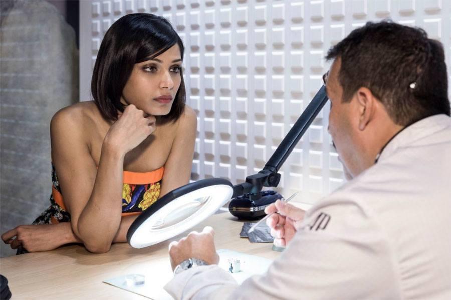 Neu Markenbotschafterin für Audemars Piguet: Schauspielerin und Frauenrechtlerin Freida Pinto