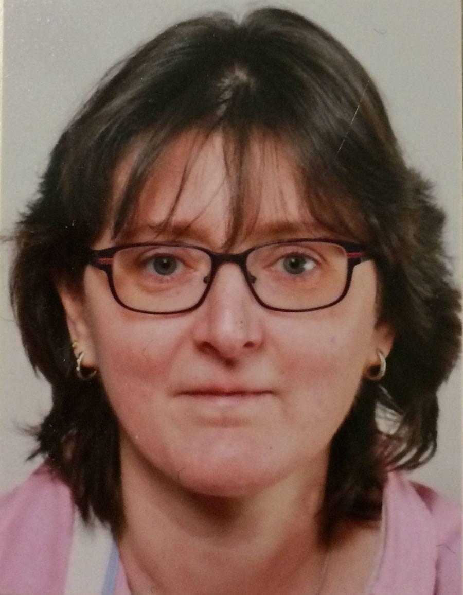 """Melanie Dietiker aus Niederlenz kennt sich bald bestens mit deutschen Uhrenmarken aus, denn sie gewann das UHREN-MAGAZIN Kompendium """"Deutsche Uhrenmarken"""" 2015."""