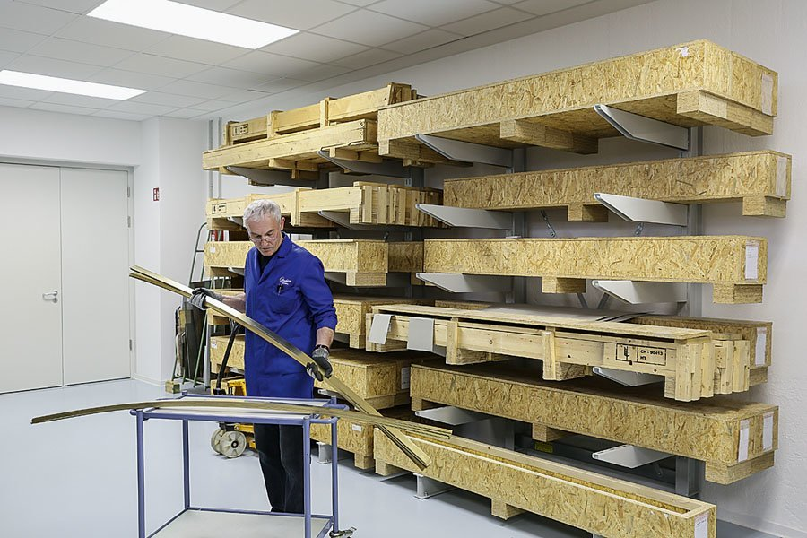 Glashütte Original: Ausgangsmaterial sind lange Metallbänder