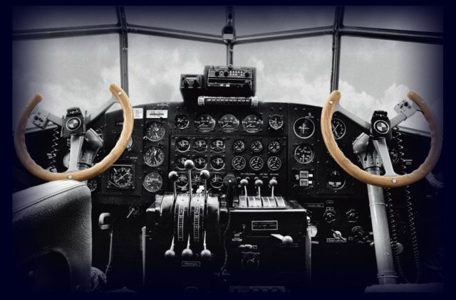 Der Traum vom Cockpit: Fliegeruhren sind nicht nur etwas für echte Piloten sondern für alle, die sich mit dem Fliegen verbunden fühlen – oder einfach das Fliegeruhren-Design mögen.