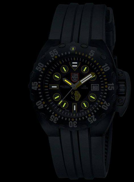 Scott Cassell Deep Dive Special 1520 von Luminox, Nachtansicht