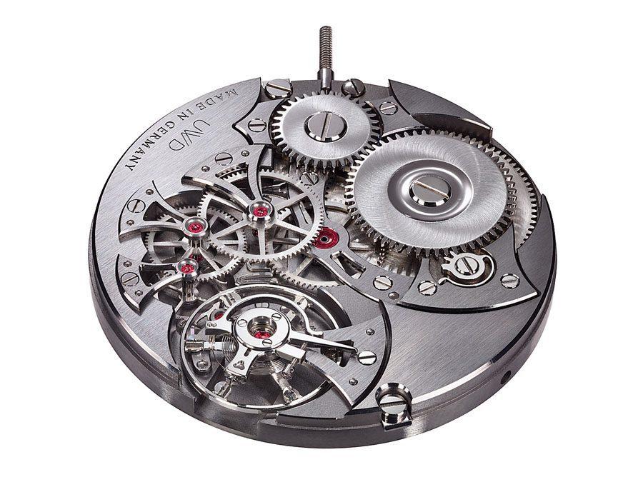 Uhren-Werke-Dresden: Erstes Uhrwerk aus Neusilber, das Kaliber 33.1