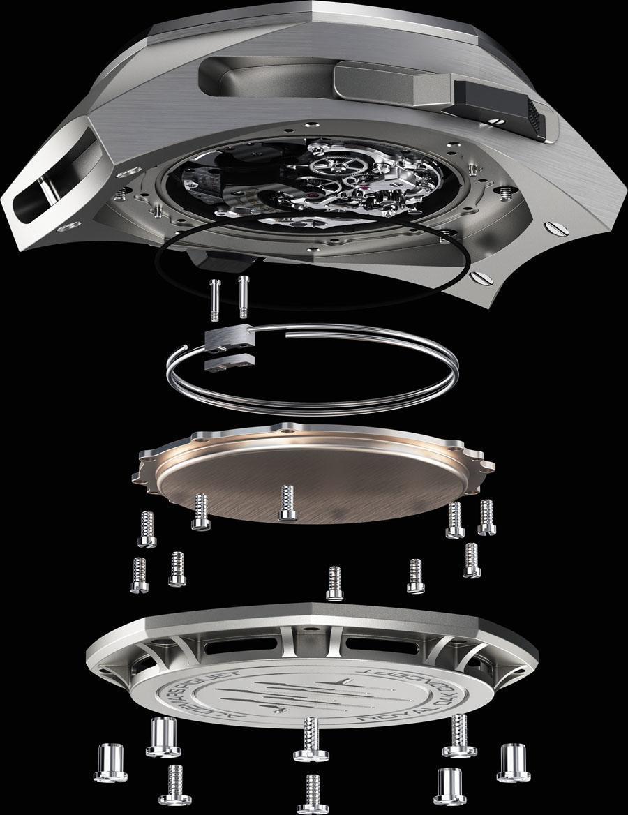 Aufbau der Royal Oak Concept Supersonnerie von Audemars Piguet: Auf den Gehäuseboden folgen der Resonanzkörper und die Tonfeder.