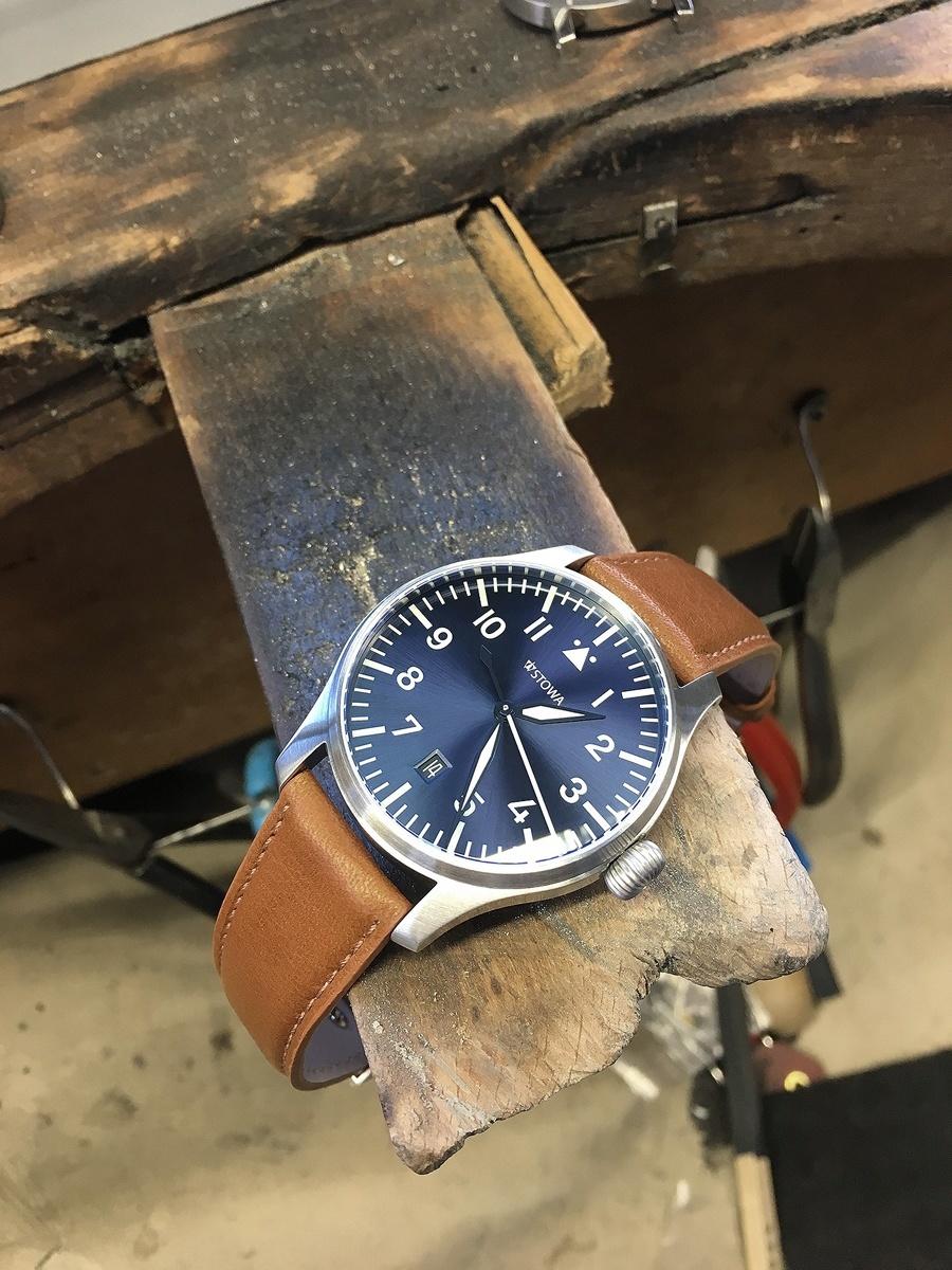 Die Flieger Blue Limited auf der Werkbank im Stowa-Atelier
