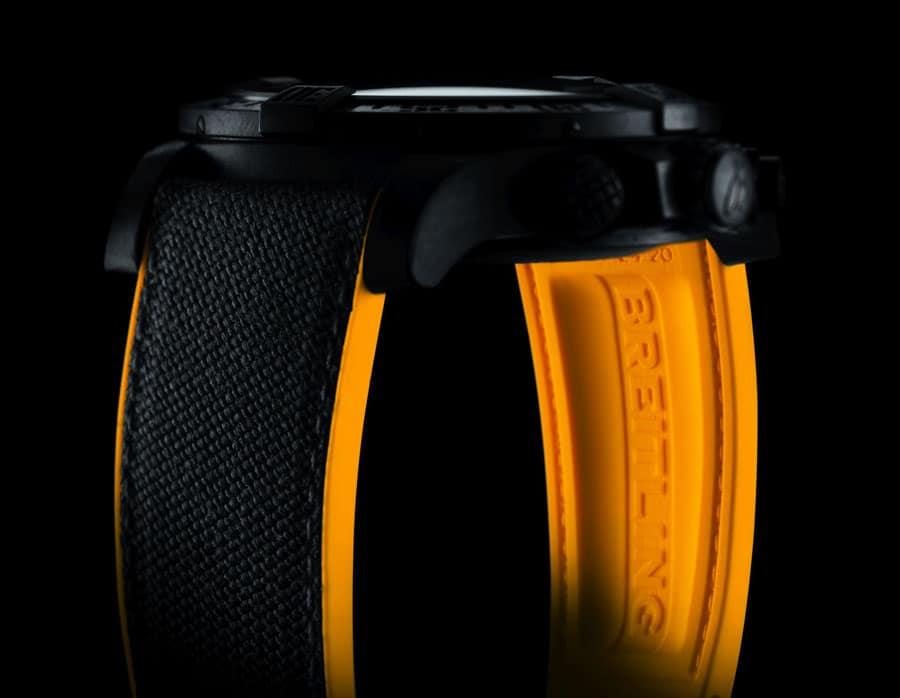 Breitling: Avenger Hurricane mit Kautschukband