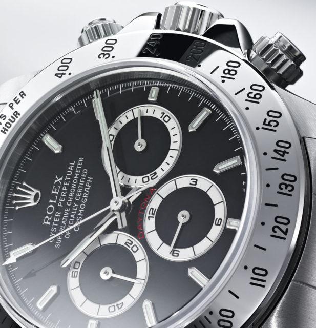 """Die Rolex Daytona mit dem Zusatz """"Superlative Chronometer Officially Certified"""" auf dem Zifferblatt"""