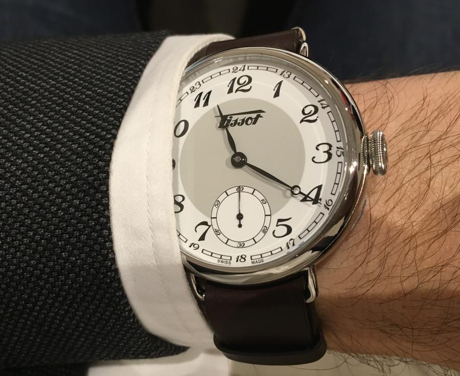 Wristshot von der Baselworld 2016: So sieht die Tissot Heritage 1936 am Handgelenk aus