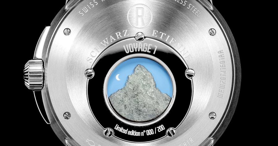 Schwarz Etienne: Roswell Cervin (Gehäuseboden)