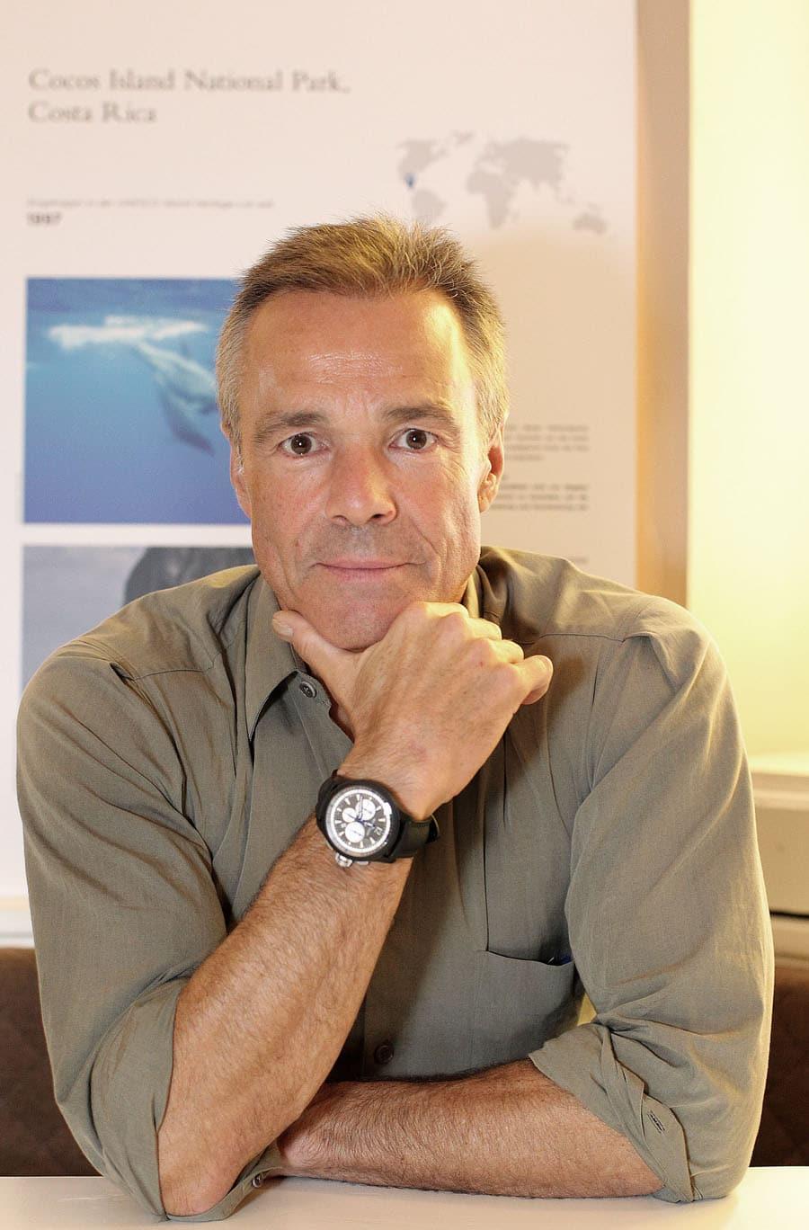 Hannes Jaenicke trägt den Master Compressor Chronograph Ceramic von Jaeger-LeCoultre