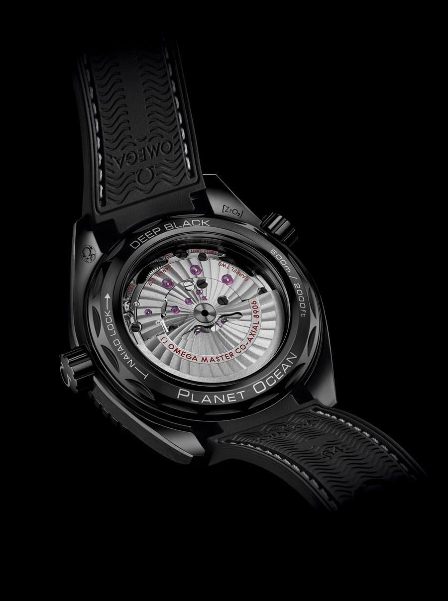 """Omega Kaliber 8906 der Seamaster Planet Ocean """"Deep Black"""""""