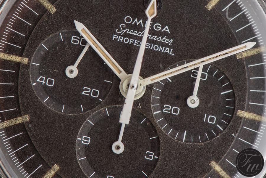Zifferblattdetail der Omega Speedmaster, Referenz 105.012