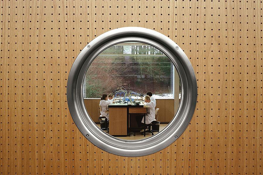 Reglage der Unruh bei Breitling Chronometrie