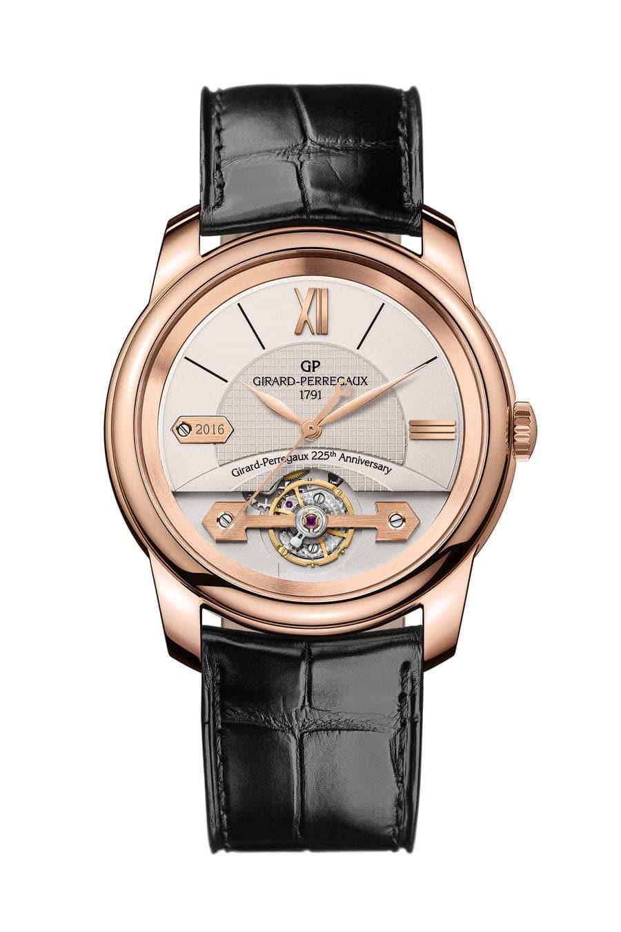 Das Modell 2016 der Place-Girardet-Kollektion würdigt das 225-jährige Bestehen des Unternehmens. Zu sehen ist dies am Signet bei neun Uhr und an dem Schriftzug Girard-Perregaux 225th Anniversary.
