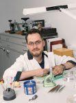 Marcus Ettling, Uhrmacher in der Hamburger Zentralwerkstatt bei Juwelier Wempe
