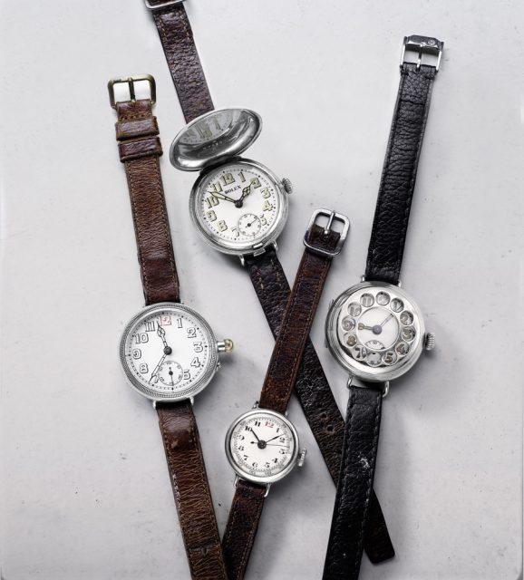 Verschiedene Uhren aus der Zeit des Ersten Weltkriegs